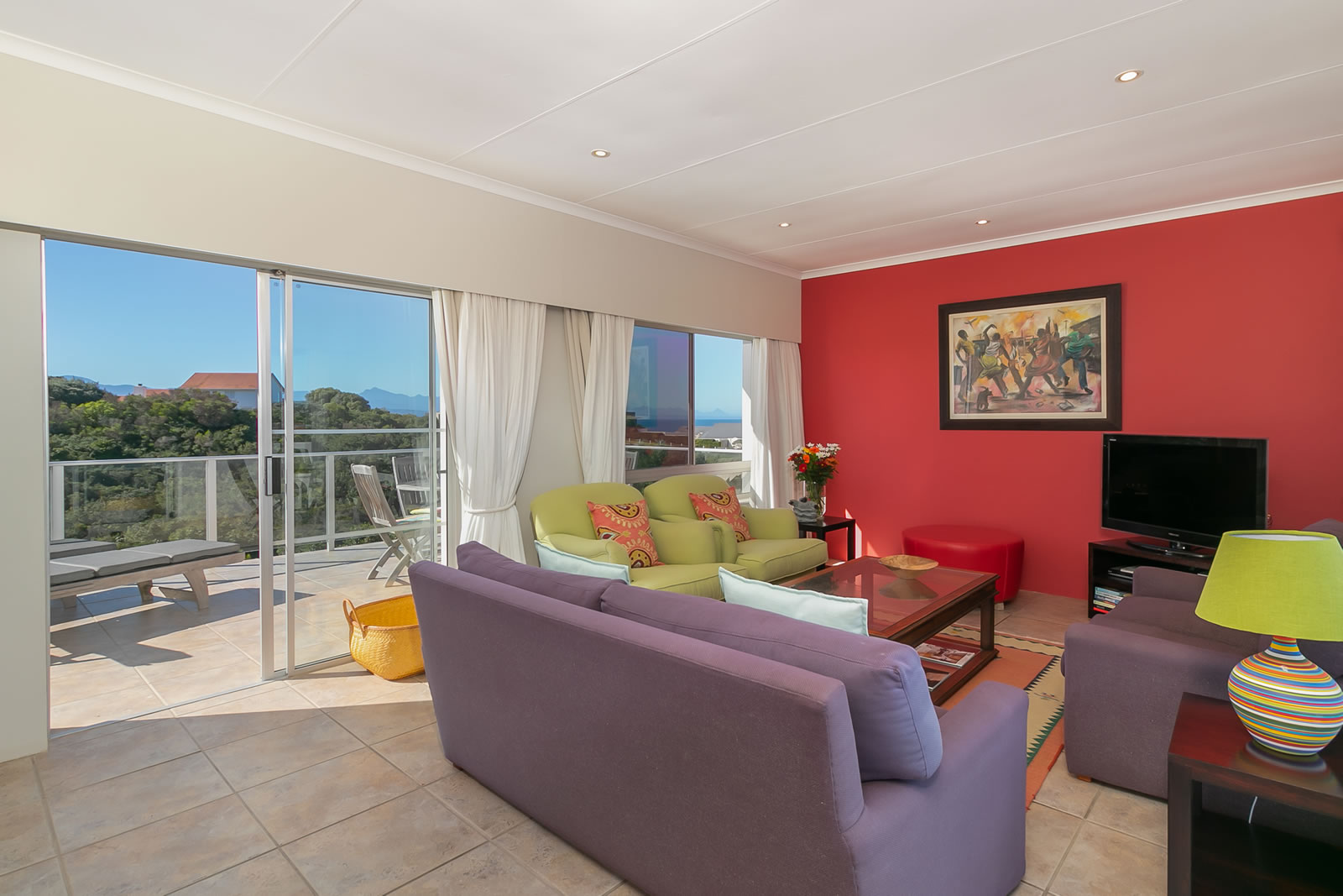 35% off accommodation at Anlin Beach House in Plett this November