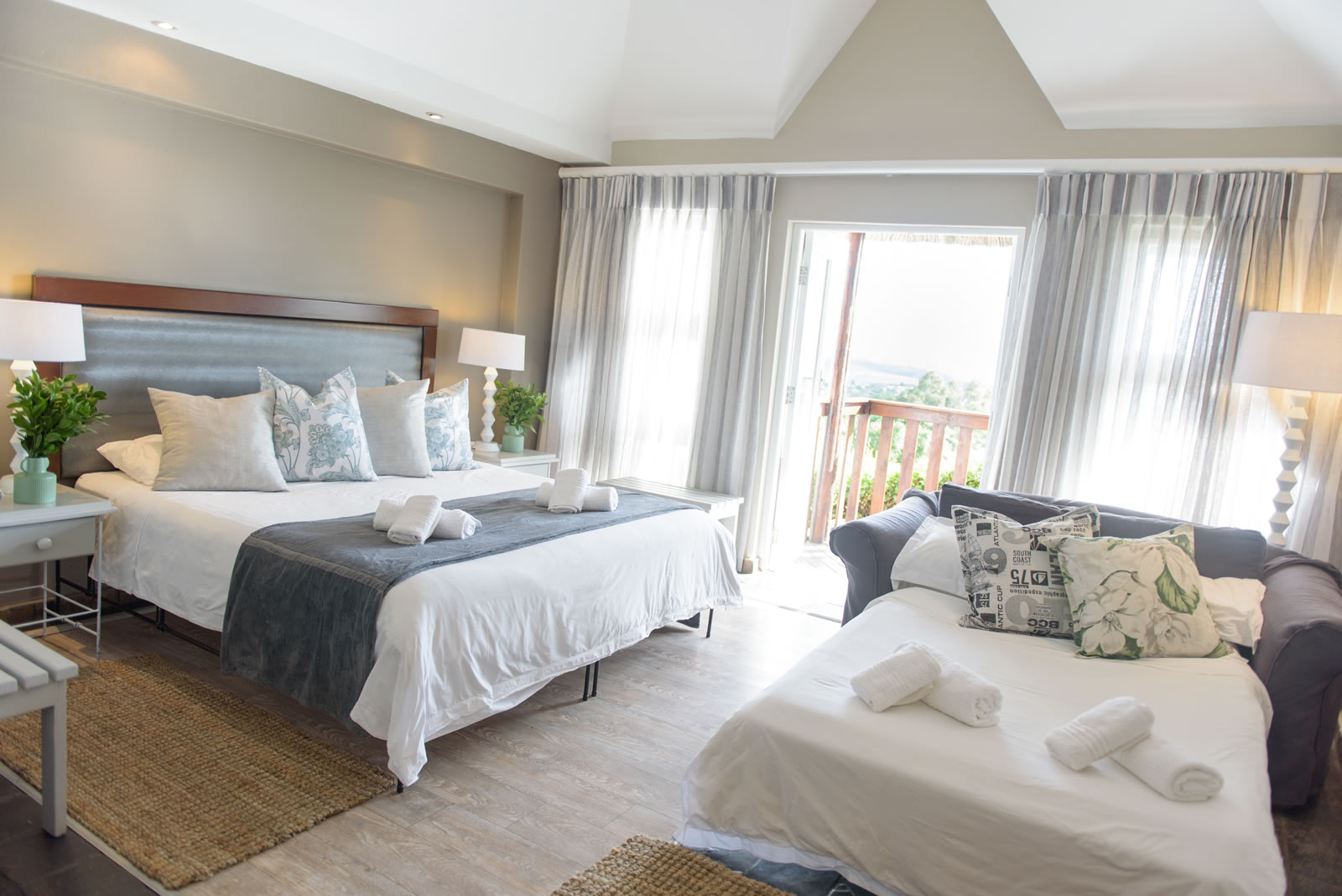 Whalesong Hotel & Spa Family room Accommodation in Plettenberg Bay
