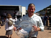 Councillor accepts trophy on behalf of Plett Tourism