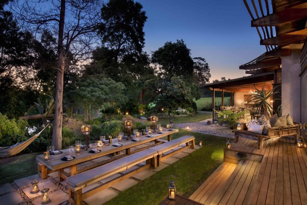 Zinzi - Evening Outdoor Dining