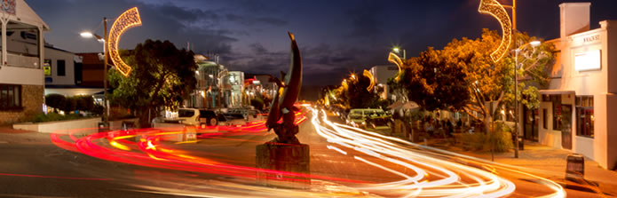 banner-695-plett-at-night