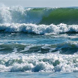 spring-tide-waves-in-plett