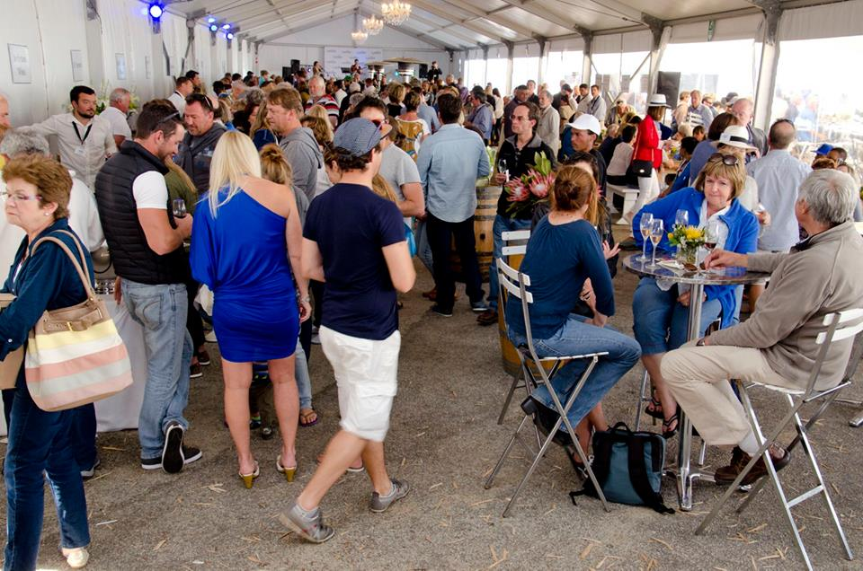 Wine & bubbly festival draws crowds...