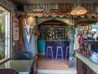 Simon's Bar