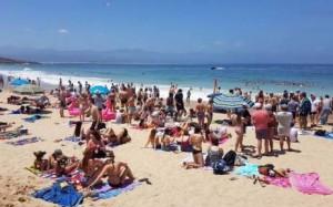 rage-plett-beachgoers