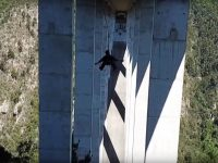 Video: Zip line to bungy