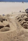 Plett sand artist supports Springboks with show-stopping sand art creations