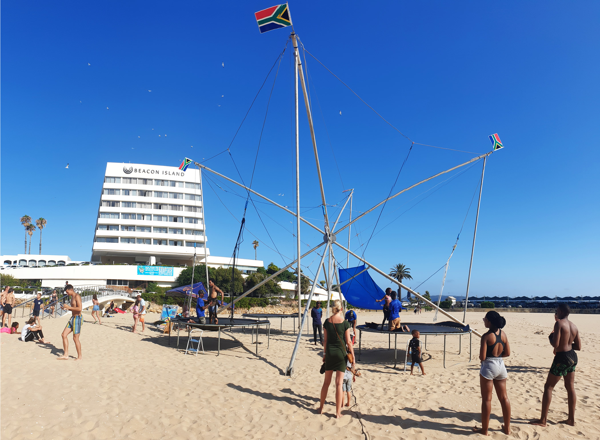 bungee structure on central beach Plett