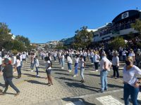 Hundreds take part in Plett Jerusalema flash mob