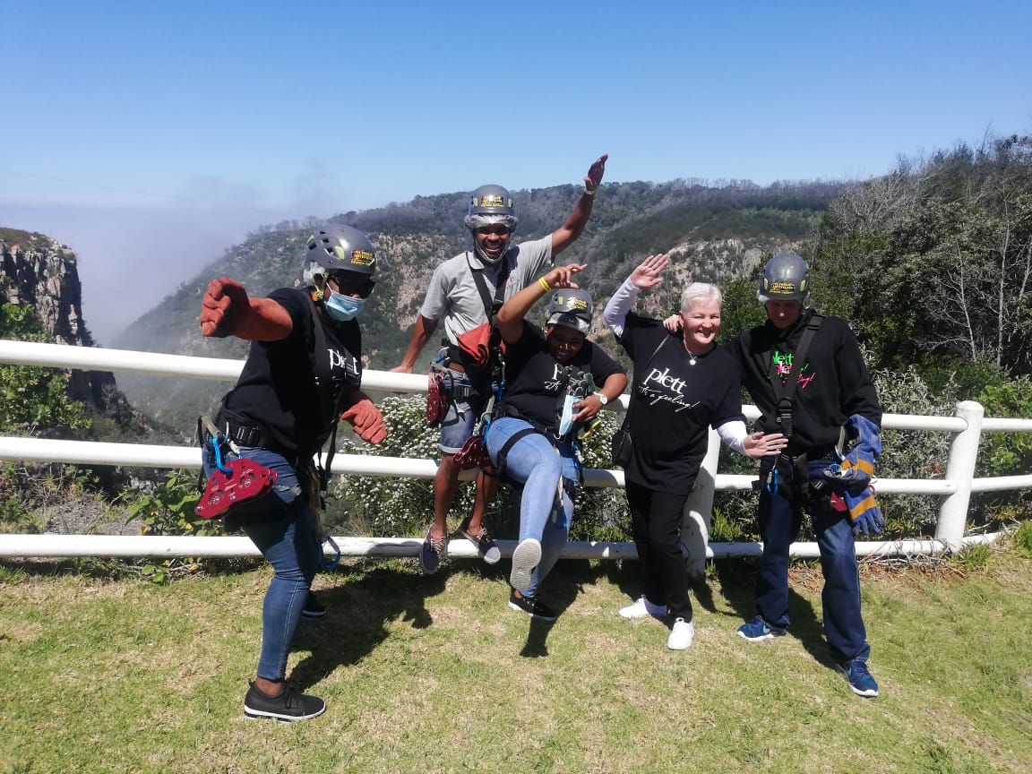 Plett Tourism Girls go Zipline in Harkerville